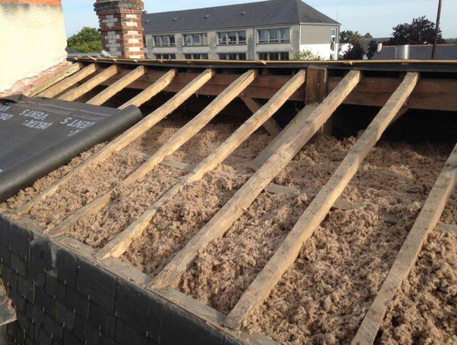 Charpente et couverture isolation en construction par l'équipe de Couverture de Loire en Indre et Loire