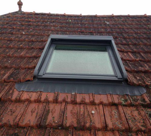 Velux - Fenêtre de toit installé sur toiture en tuile